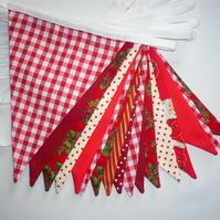 5m Stunning Top Quality Double Sided Christmas Bunting in Shades of Red