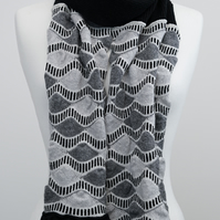 Knitted Scarf black, grey and white