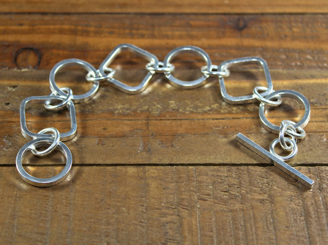 Square and Circle Edge - a Bar & Toggle Bracelet