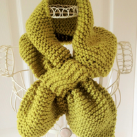Ascot scarf