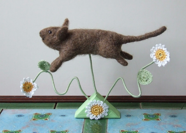 Needle-felt Leaping Mouse