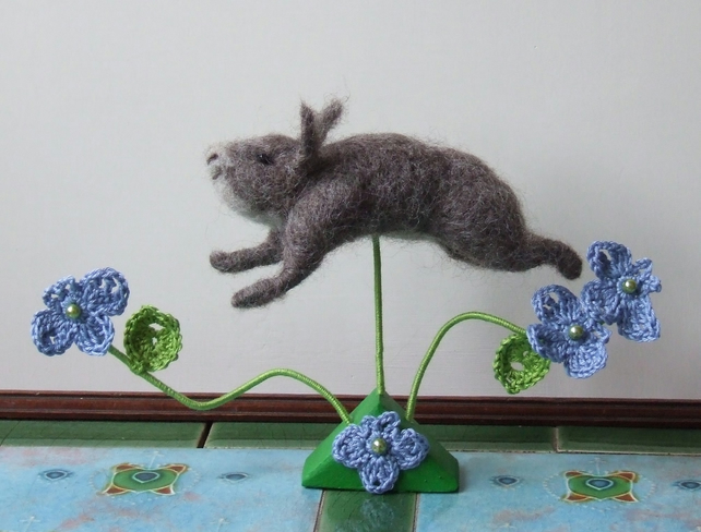 Needle-felt Leaping Grey Rabbit