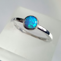 Sterling Silver Stacking Ring, with a 6mm cabochon blue opal. Size M
