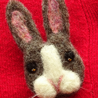 Bunny brooch - rabbit brooch - felt brooch - handmade jewellery - cute