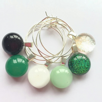 Green Wine glass charm set