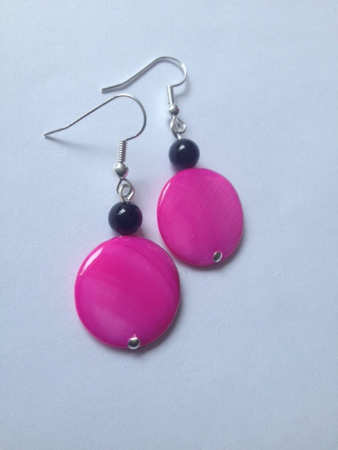 Pink shell disc and agate earrings.