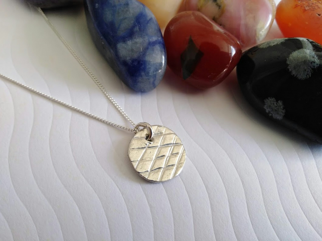 Fine Silver Criss Cross Disc Necklace