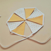 Gold and White Miniature Bunting – 8 Flags