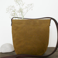 The Roo Pouch- Oilskin Bag