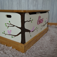 Personalised toy box,hand painted wood toybox, hand crafted bespoke name toybox