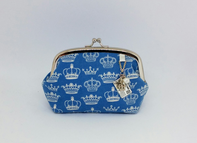 Vintage Royal Crown Kisslock Charm Purse