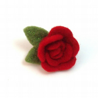 Red Rose brooch in heart shaped gift box. Felt flower jewellery gift for Mum