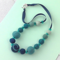Felt necklace sea green beads in gift box