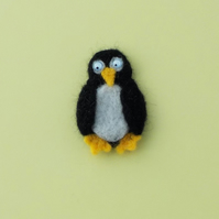 Penguin felt fridge magnet
