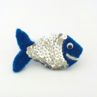 Blue fish felt fridge magnet with sequins