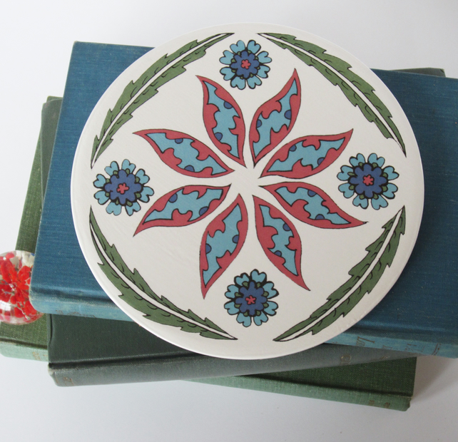 Ottoman Inspired Petal Pattern Round Ceramic Tile Trivet with Cork Backing