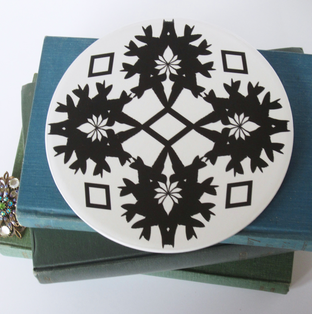 Black and White Hummingbird Pattern Round Ceramic Tile Trivet with Cork Backing