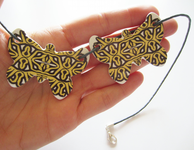 Geometric Statement Pattern Double Butterfly Ceramic Pendant Necklace