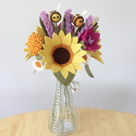 Craft kit: Felt Flowers - sunflower and bee bouquet (Sunshine Bee)