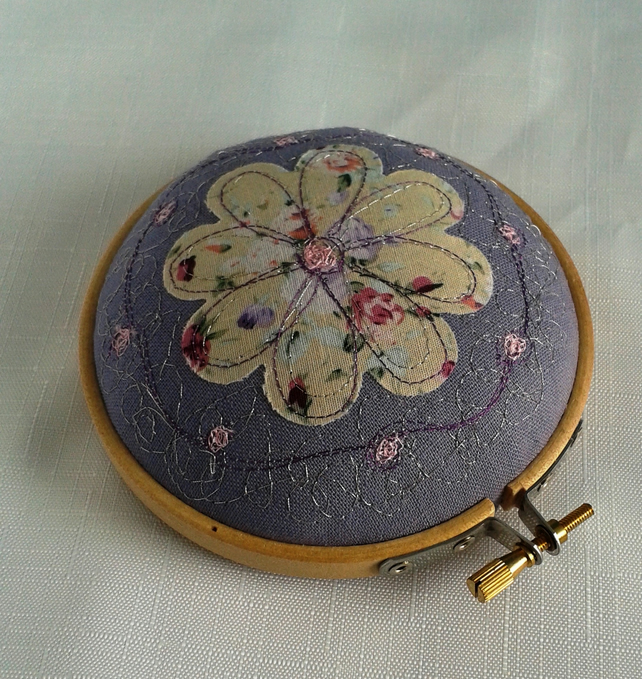 Round Pin Cushion, Pincushion, Flower Pincushion, Embroidery Hoop Pincushion,