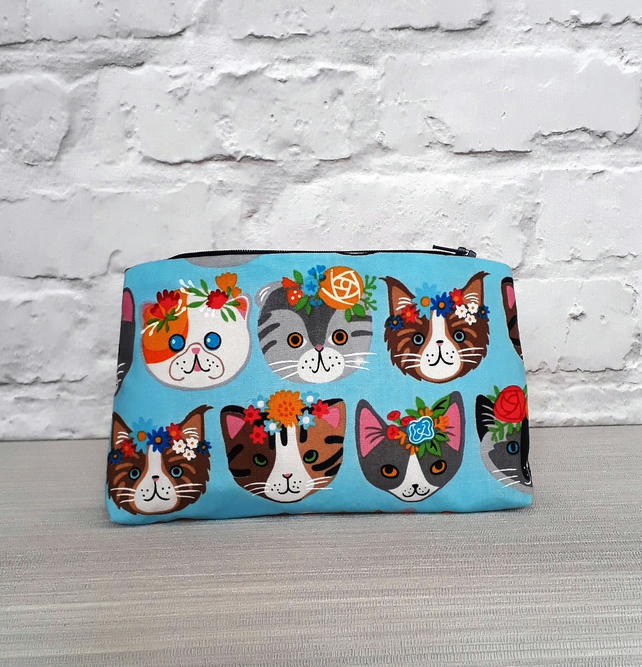 Frida Kahlo inspired cat  Make Up Bag, Cosmetic Bag, Makeup Pouch, Fabric Bag