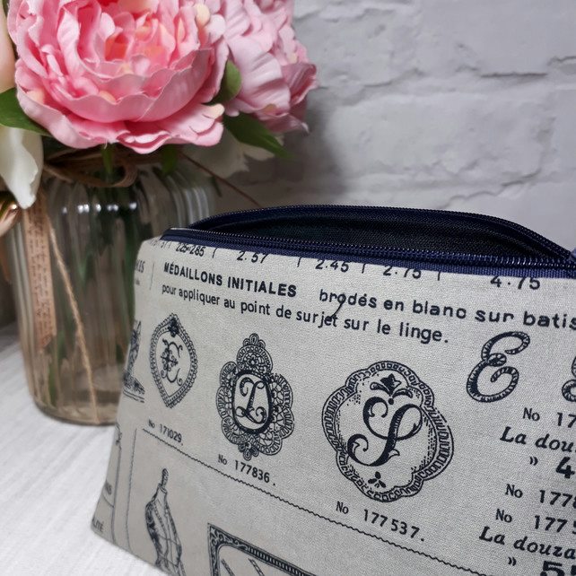 French sewing inspired makeup bag, Cosmetic Bag, Makeup Pouch, Fabric Bag