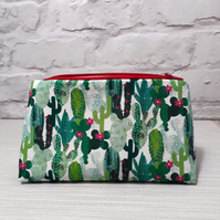 Cactus make up bag, cosmetic bag, make up storage