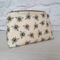 Bee make up bag, bee cosmetic bag, make up storage