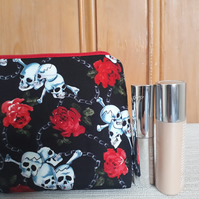 Skull and Roses Make up bag