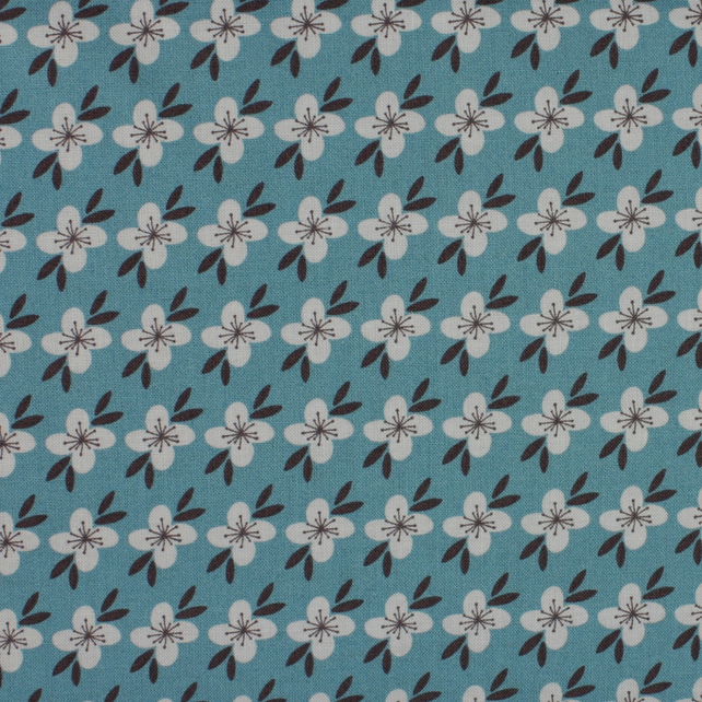 Fabric Freedom - Retro Floral - Light Grey Flower on Teal - Fat Quarter