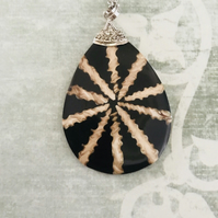 Spider Shell & Resin Statement Pendant Necklace
