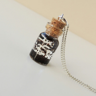 Tea Leaf Necklace (2352)