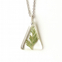 SALE: Green Leaf Resin Necklace (983)