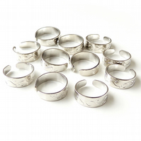 10 x Small Silver Plated Adjustable Ring Shanks (132)