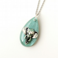Green Elephant Resin Necklace (1894)