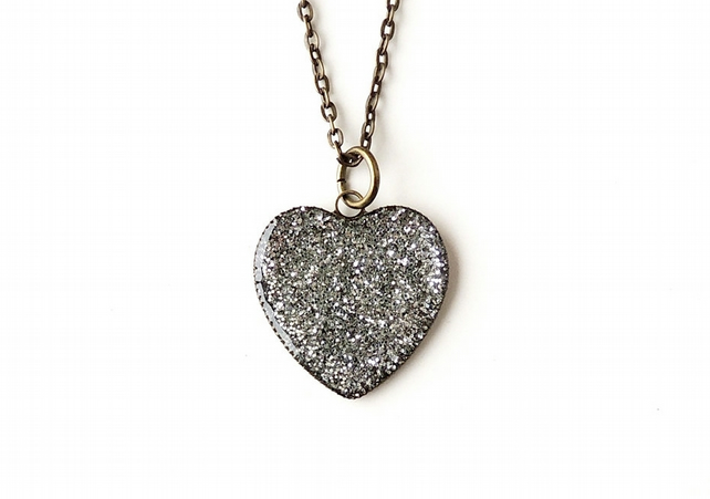 Silver Heart Resin Necklace (270)