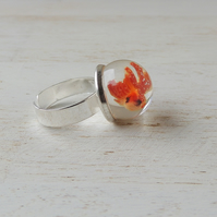 SALE: Swimming Goldfish Globe Resin Ring (2234)