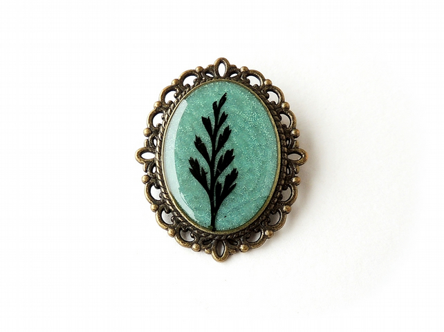 SALE: Black & Green Leaf Resin Brooch (2042)