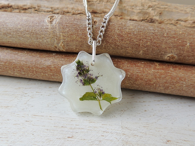 Flower in Resin Necklace (2324a)