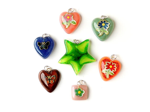 SALE: 7 x Resin Pendants (028)