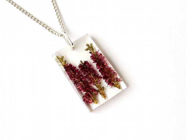Red Flowers Resin Necklace (218)
