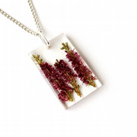 Red Flowers Necklace (218)