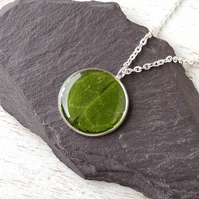 SALE: Green Leaf Resin Necklace (2156)