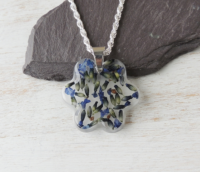 Blue Lavender Flowers Resin Necklace (960a)