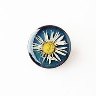 Daisy Brooch - Seconds (612a)