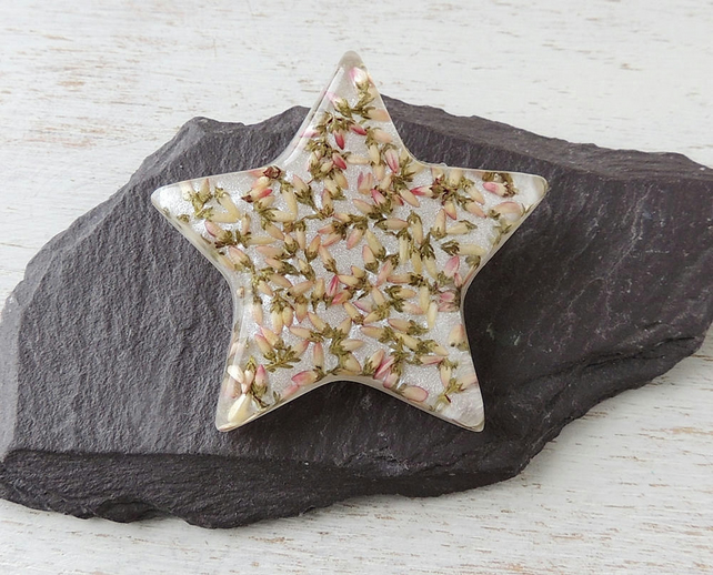 Flower Star Brooch (222e)
