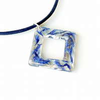 Blue Flower Donut Necklace - 2276