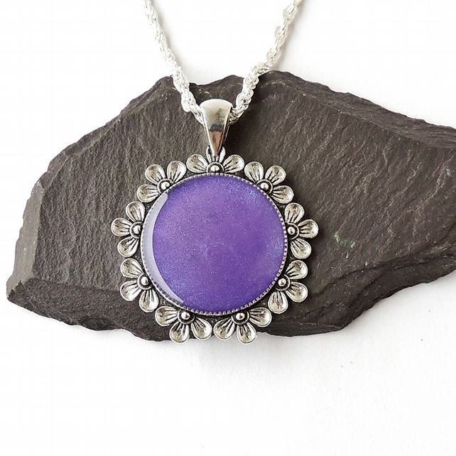 "Purple & Silver Necklace, 18"" Chain - 462b"