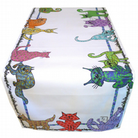 Cat Table Runner - Cat design - Cat's Whiskers - Beautiful Table decoration