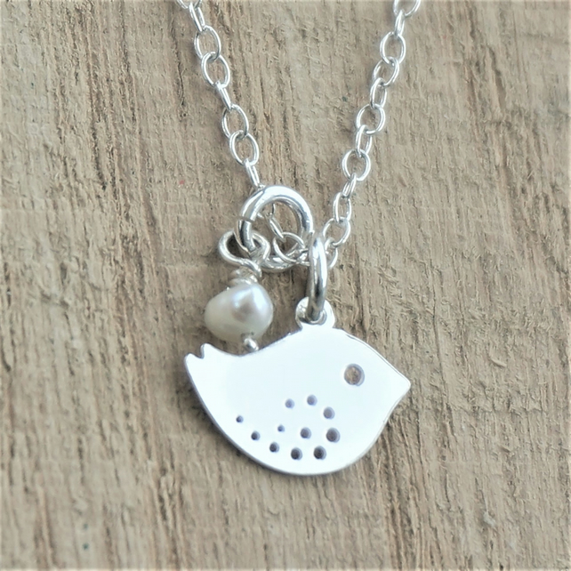 Birdie Necklace Sterling Silver And Pearl